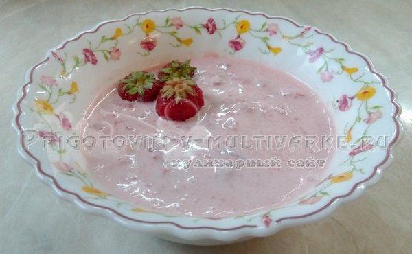 десерт из клубники сметаны и сахара