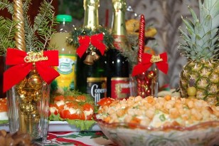 novogodnij stol