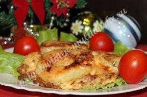 Куриные грудки, запеченные с ананасами под сыром
