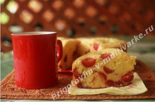 Бисквит с черешней в мультиварке, рецепт с фото по шагам