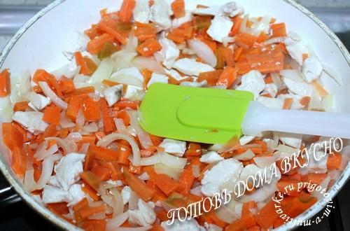 Тушить все продукты под крышкой
