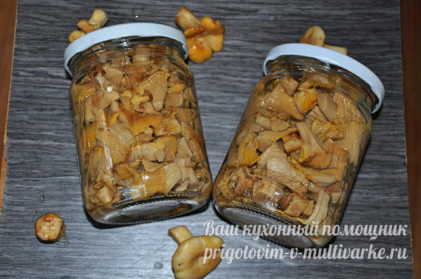 закрытые баночки с грибами