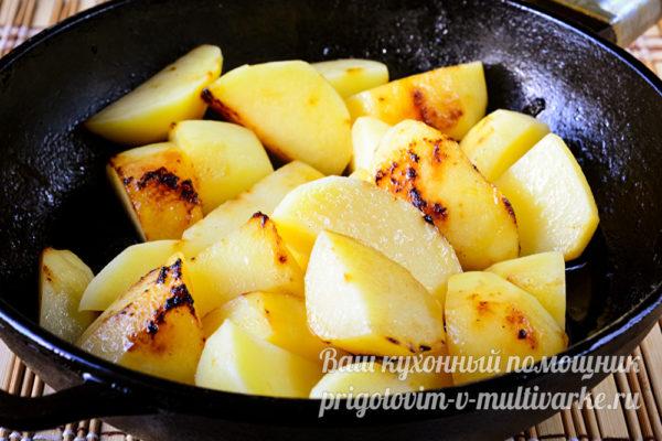 картофель обжарить, посолить