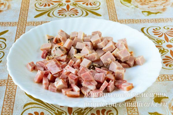 колбаса кусочками