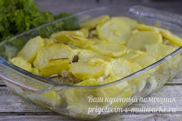 Картошка с курицей в духовке с майонезом и чесноком: рецепт с фото