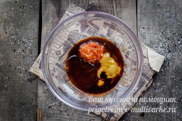 добавление меда и соевого соуса
