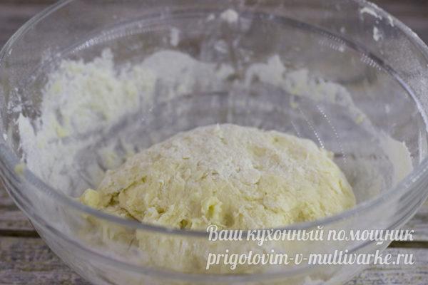 вымешиваем тесто до однородной массы