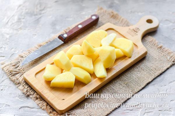 Картофель на доске