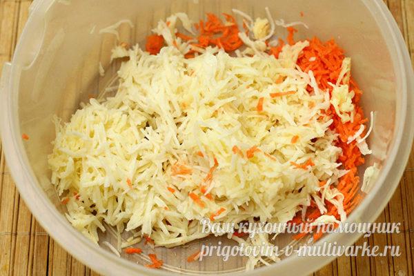 тертый картофель и морковь