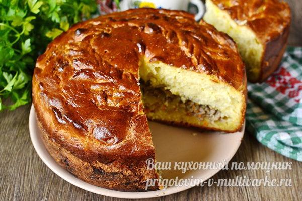 русская кулебяка с мясной начинкой
