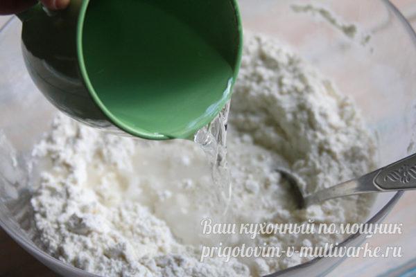 добавляем воду