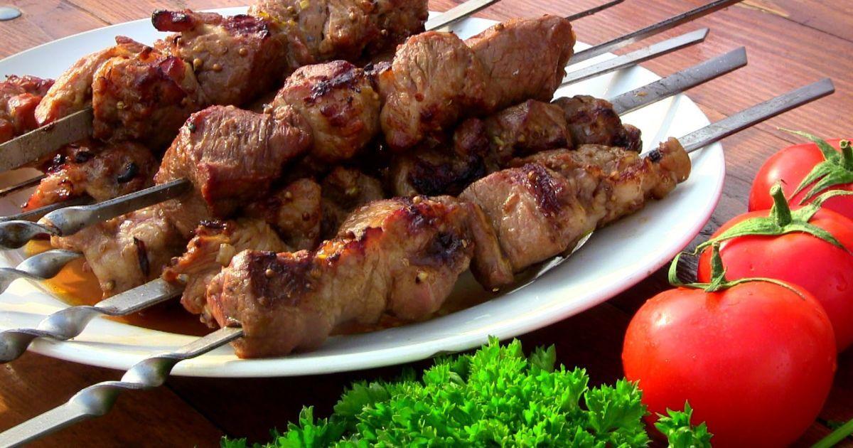 Как правильно замариновать шашлык из свиной шейки