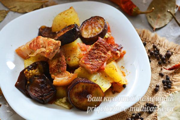 вкусное блюдо с мясом и овощами