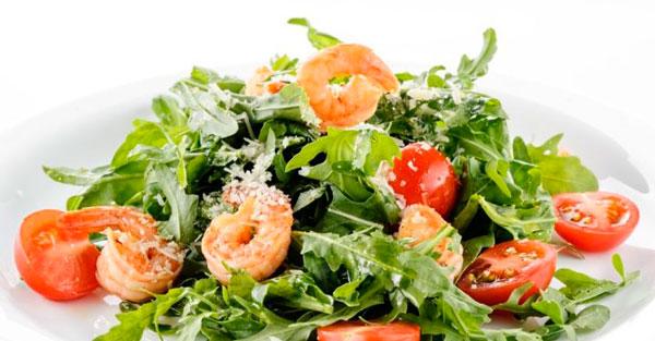 Рецепт новогоднего салата с креветками