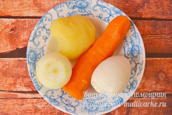подготовленные овощи и яйца