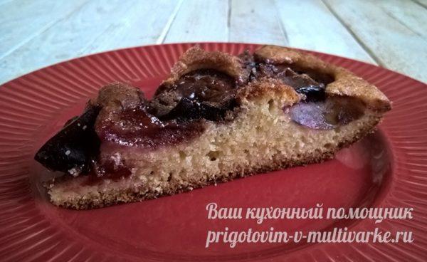 кусочек сливового пирога