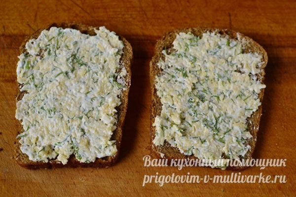 наносим начинку на хлеб