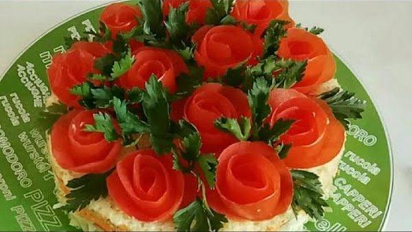 """Салат на Новый год 2019 """"Букет алых роз"""""""