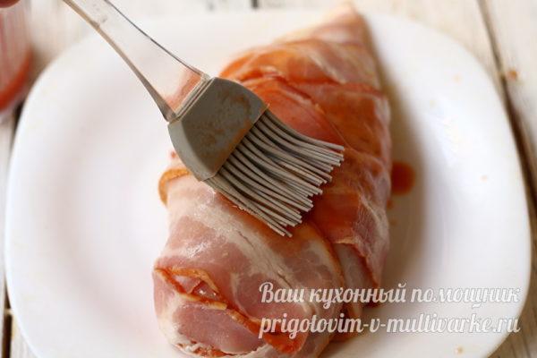 смазываем мясо маринадом