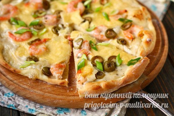 пицца с оливками и креветками
