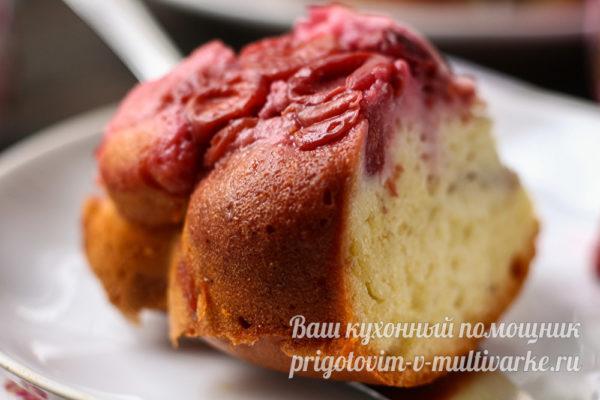 кусок вишневого пирога