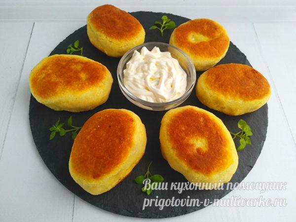 готовые пирожки выложить на тарелку