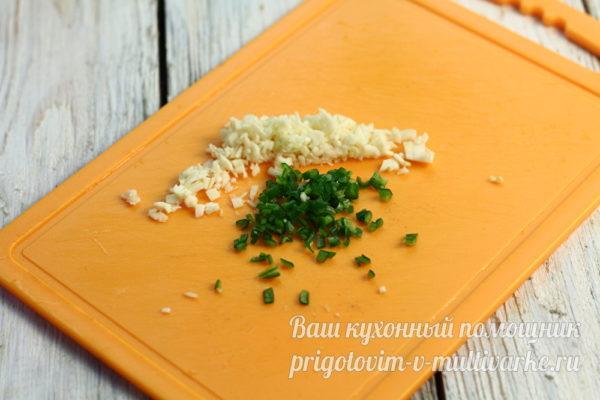чеснок и острый перец нарезать