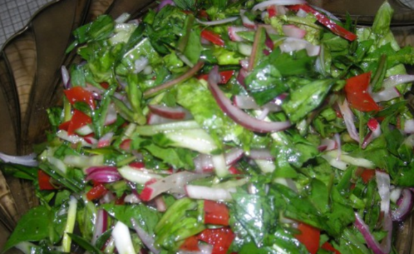 Салат из одуванчиков с тархуном