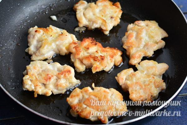 обжарить оладьи из мяса на сковороде