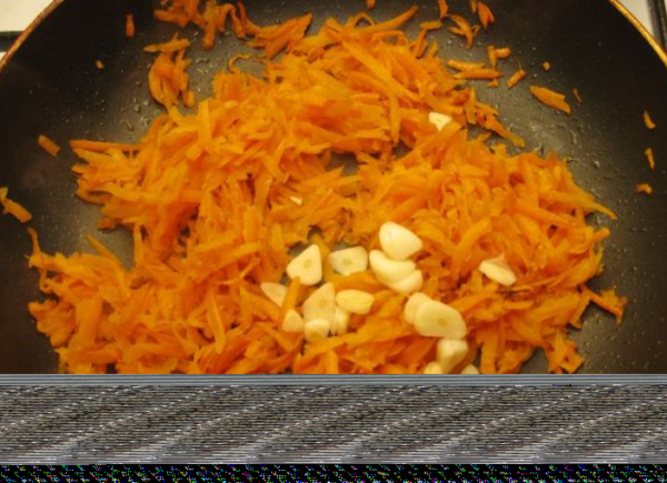 Золотистый рис с овощами на гарнир - рецепт пошаговый с фото