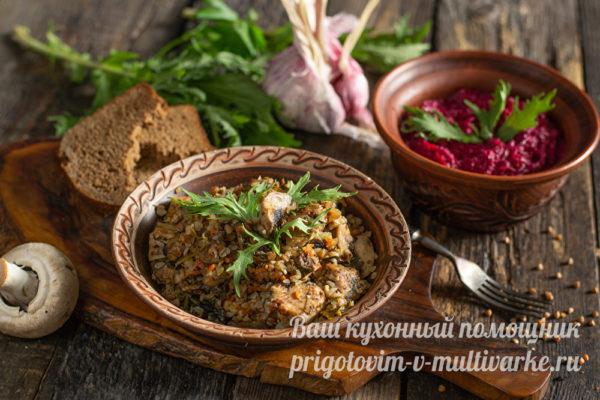 гречка и салат на ужин