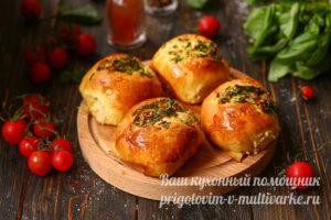 ароматные булочки с чесноком
