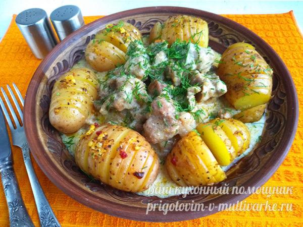 ужин из мяса и картошки