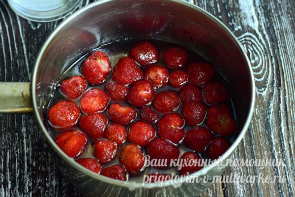 варить ягоды в сиропе