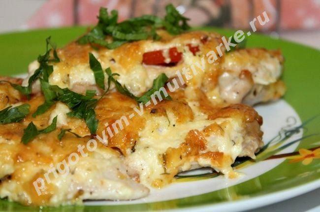 Рецепт отбивных из курицы с сыром и помидорами