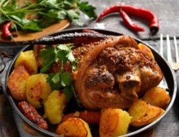 Свиная рулька, запеченная в духовке: рецепт с фото пошагово